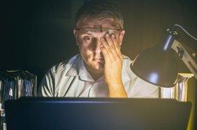 Bildschirm-Arbeit ist Höchstleistungsarbeit für unsere Augen.